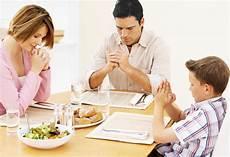 Contoh Doa Makan Kristen Singkat Sebelum Makan Kumpulan