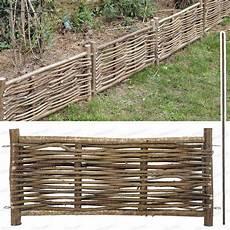 bordure de jardin en bois bordure bois noisetier avec tige garden jardins