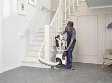 monte escalier interieur l installation d un monte escalier 233 lectrique