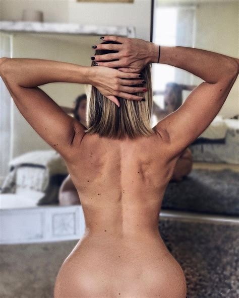 Hanna Nude