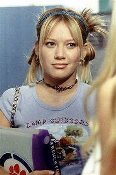 this throwback lizzie mcguire tutorial will make your day 2000s fashion trends early