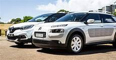 2018 Citroen C4 Cactus Onetone V Renault Captur Intens