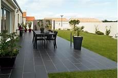 carrelage terrasse exterieur moderne modele de terrasse en carrelage maison design apsip
