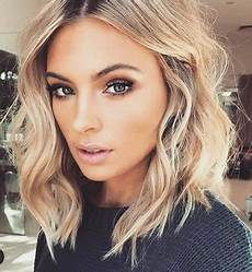 shoulder length blonde curly hair 20 short hair for wavy hair