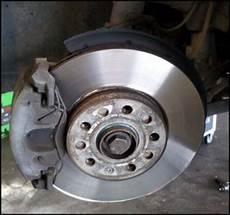 changer disque de frein clio 3 changer les plaquettes freins avant sur audi a3 astuces
