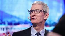 apple s tim cook slams facebook privacy is a human right