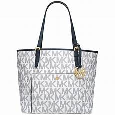 lyst michael kors michael jet set large snap pocket tote