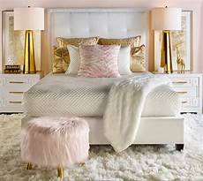White Pink And Gold Bedroom Ideas by Quarto Charmoso Dando Grande Aten 231 227 O Ao Puff