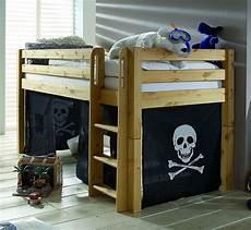 massivholz spielbett hochbett kinderbett vorhang pirat