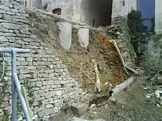 aménager une grange renovation mur en remonter un mur de mrps