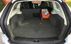 Essai Comparatif Audi A4 Avant Contre Volvo V50 L