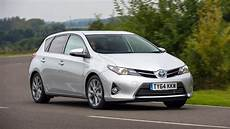 Toyota Auris Hybrid Probleme - toyota auris review and buying guide best deals and