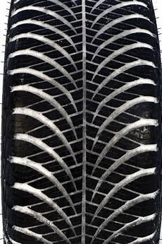 test pneus toutes saisons la bonne alternative aux pneus