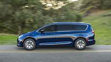 chrysler pacifica hybrid 2018 chrysler pacifica hybrid review ratings specs