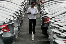 Chinese Carmaker Changan Automobile Joins Price War Amid