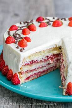 ingles strawberry cake this is the strawberry cake it calls for 1 1 2 lbs of fresh strawberries the whipped cream