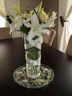 wedding centerpiece fill the vase with water and a