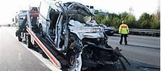 unfall a2 aktuell unfall auf der autobahn a2 drei tote bei peine