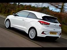 hyundai i20 style hyundai i20 coupe 1 0 turbo 2016 review car reviews