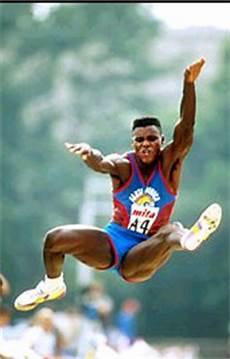 record du monde du saut en longueur saut en longueur