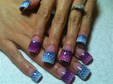 nageldesign schräg purple and blue with netting nail gallery