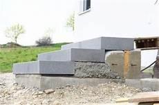Blockstufen Beton Setzen - bilder und suchen blockstufen