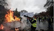 Gilets Jaunes Quot Samedi Prochain On Revient Avec Des Armes