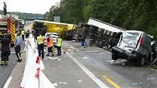 Autobahn A3 Unfall Heute - ein toter bei unfall auf a3 autobahn voll gesperrt hessen