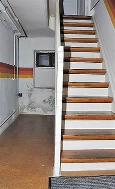 treppe zu verschenken kellertreppe renovieren selbst de