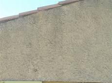 mur en crepis peindre du tres gros cr 233 pi ext 233 rieur