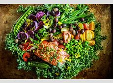 salmon salad with chive vinaigrette_image