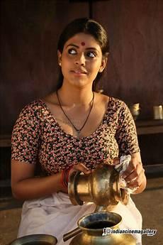 mallu iniya navel blouse show in nagabandham movie photos 171 mallufun com