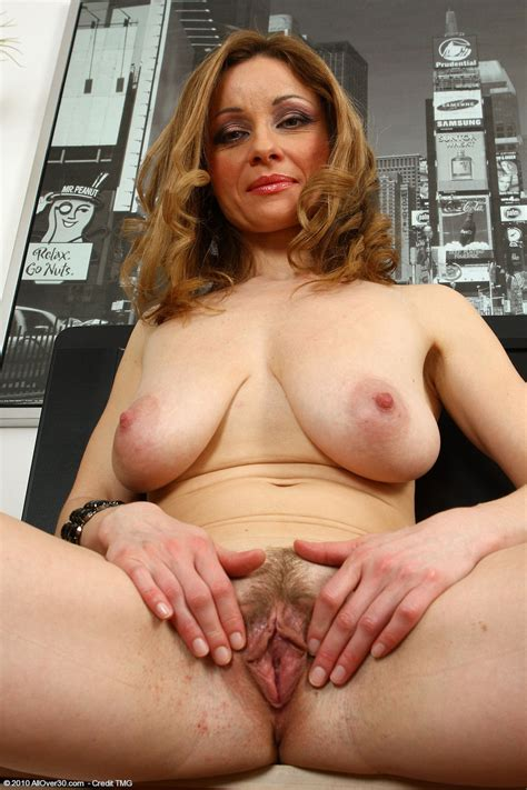 Nude Pssy