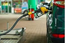 faut il acheter essence ou diesel faut il encore acheter une voiture diesel actu auto