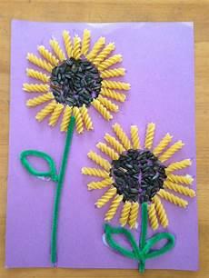 bastelideen sommer kindergarten sunflower seed and rotini sunflowers summer crafts