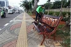Nyamannya Trotoar Di Jalan Gunung Sahari Foto 7 1653055