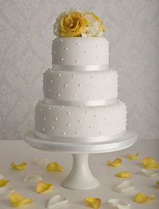 affordable wedding cakes simple wedding cakes by maisie
