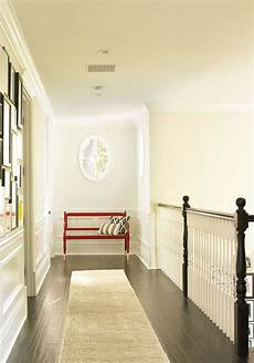 beautiful traditional upstairs hallway get the with dunn edwards dec754 for your