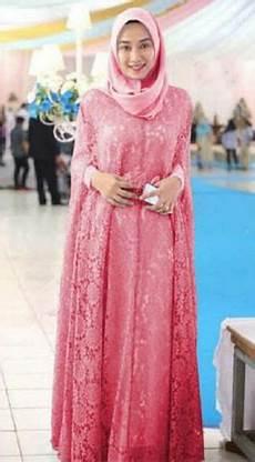 Model Kebaya Wisuda Syar I Untuk Wanita Muslimah Modern