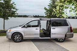 Image 2016 Chrysler Town & Country Size 1024 X 682