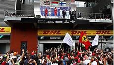 Formel 1 Belgien Gp Charles Leclerc Mit Deb 252 Tsieg Vor