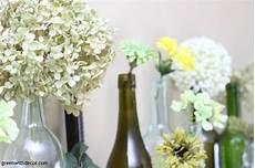 getrocknete hortensien dekorieren an easy mantel decorating idea with wine bottles