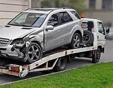 restwertabzug weiternutzung fahrzeug im totalschadenfall