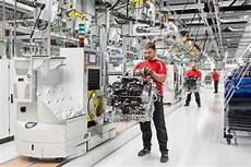 This Is Porsche S New V 8 Engine Factory Flatsixes