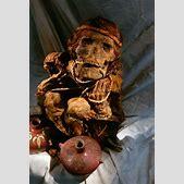 Wari mummy and ...