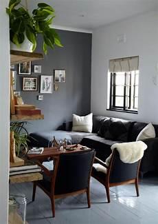 sofa gris oscuro buscar con google schwarzes sofa
