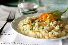 risotto fiori di zucchina risotto con fiori di zucchina e gorgonzola the