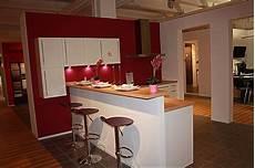 Küche Mit Bartresen - impuls musterk 252 che moderne k 252 che mit tresen in hochglanz