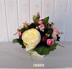 fiori finti vendita composizioni con fiori finti per decorazioni di interni