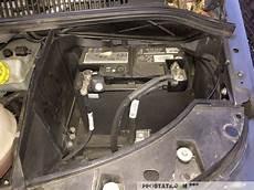batterie starterbatterie ausbauen und tauschen beim vw